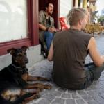 Rassemblement de marginaux dans les rues de Strasbourg